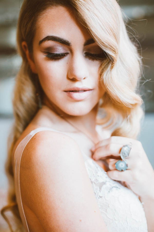 Dazzling-Bohemian-Bridal-Inspiration-Joyce-Young-Couture-Sue-Slique-Photography-14