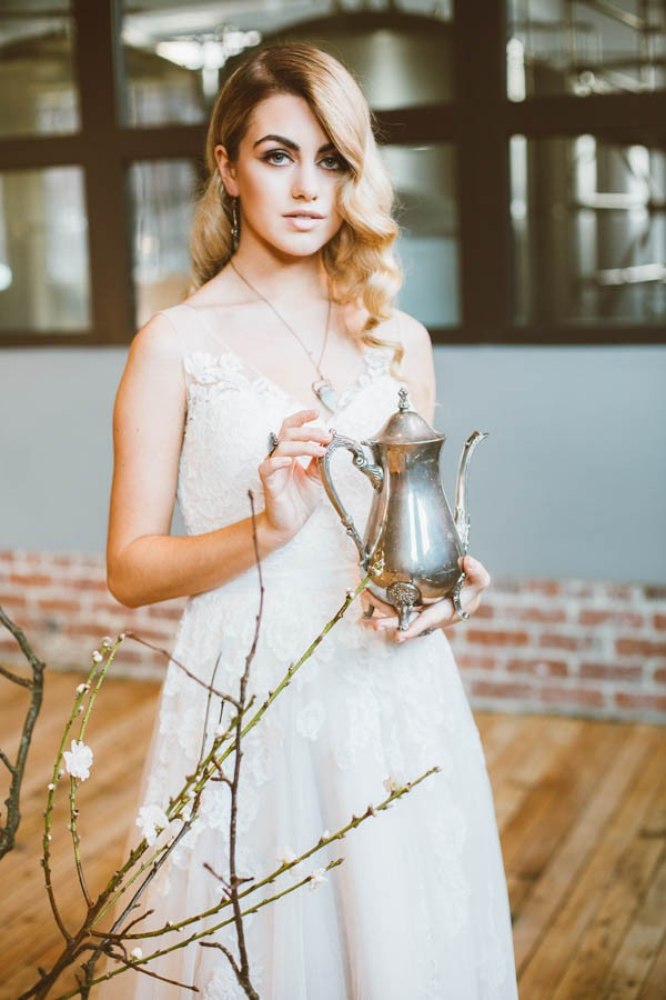 Dazzling-Bohemian-Bridal-Inspiration-Joyce-Young-Couture-Sue-Slique-Photography-15