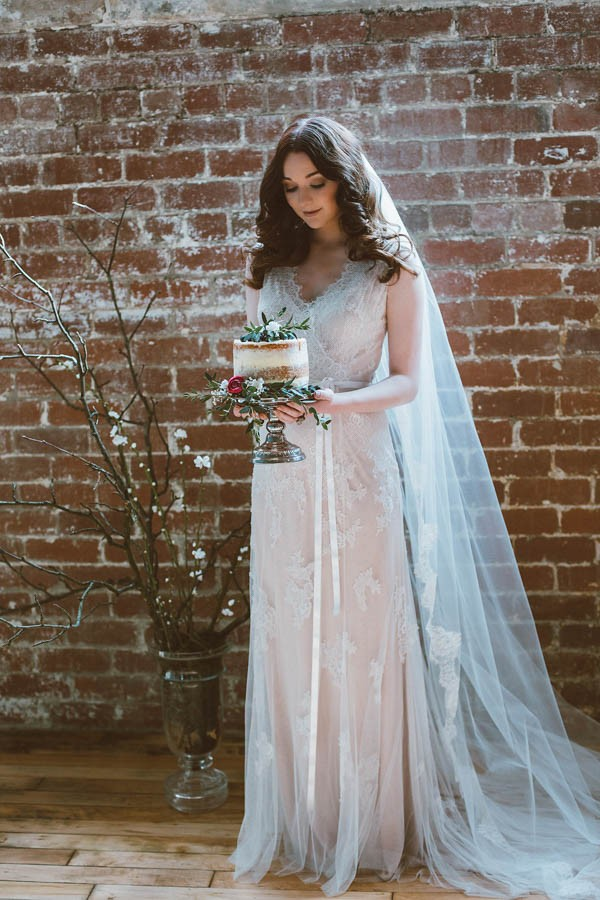 Dazzling-Bohemian-Bridal-Inspiration-Joyce-Young-Couture-Sue-Slique-Photography-9