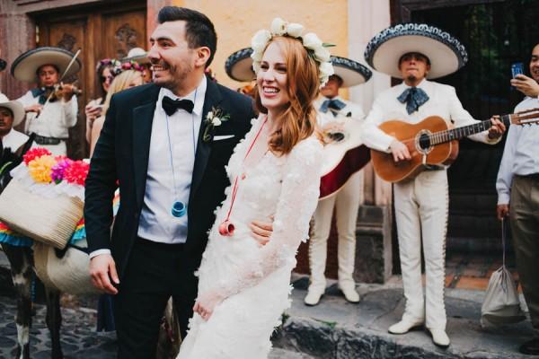 Festive-Fabulous-Mexican-Wedding-San-Miguel-de-Allende-Blest-Studios-28