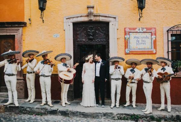 Festive-Fabulous-Mexican-Wedding-San-Miguel-de-Allende-Blest-Studios-29