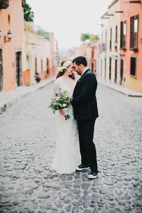 Festive-Fabulous-Mexican-Wedding-San-Miguel-de-Allende-Blest-Studios-31