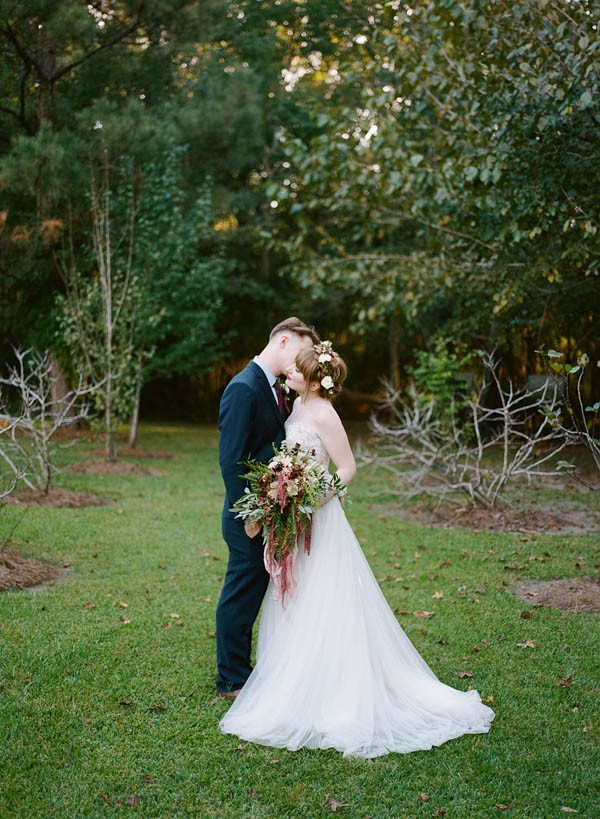 Florence-The-Machine-Inspired-Louisiana-Wedding-Maile-Lani-19