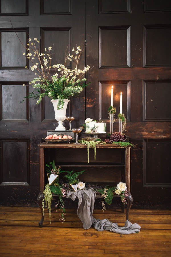 Luxe-Natural-Indoor-Wedding-Inspiration-Barrow-Mansion-28