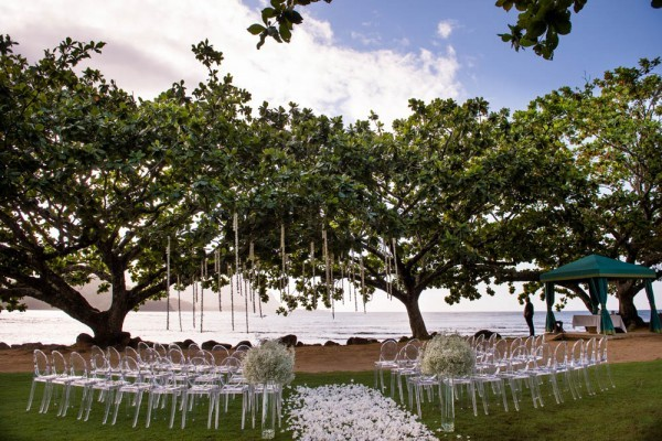 Metallic-Wedding-at-St.-Regis-Princeville-Resort-5-of-24-600x400