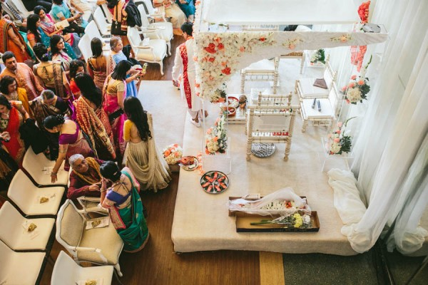 Modern-Minneapolis-Indian-Wedding-Calhoun-Beach-Club-18