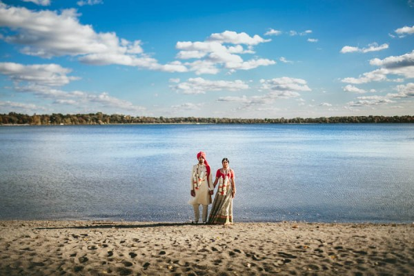 Modern-Minneapolis-Indian-Wedding-Calhoun-Beach-Club-35