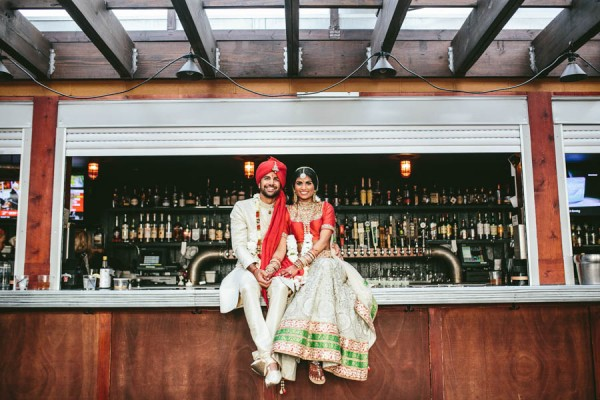 Modern-Minneapolis-Indian-Wedding-Calhoun-Beach-Club-38
