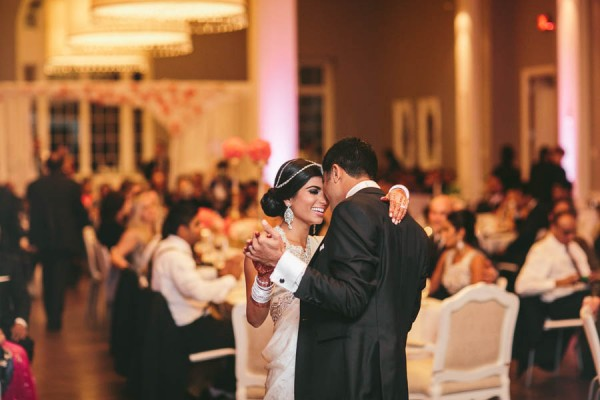 Modern-Minneapolis-Indian-Wedding-Calhoun-Beach-Club-45