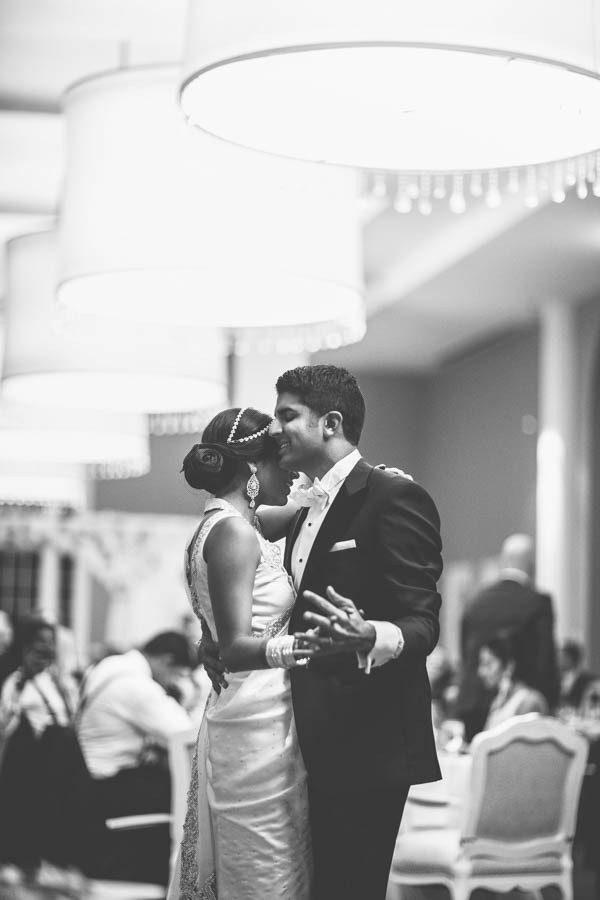 Modern-Minneapolis-Indian-Wedding-Calhoun-Beach-Club-46