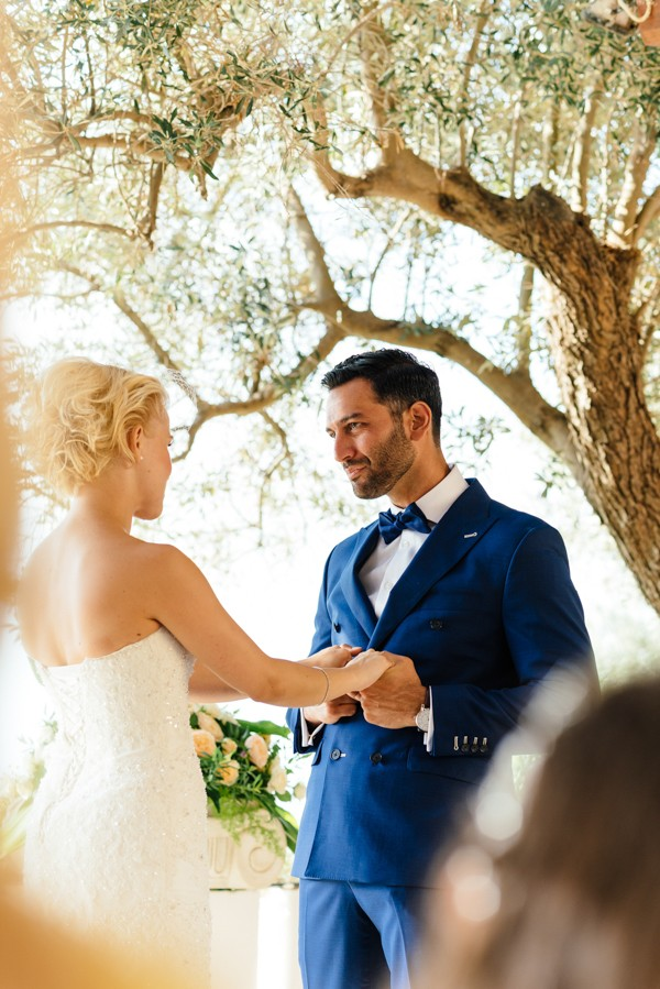 Stylish-Greek-Village-Wedding-at-Agreco-Farm-Elias-Kordelakos-11