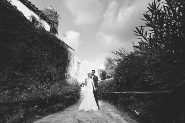 Stylish-Greek-Village-Wedding-at-Agreco-Farm-Elias-Kordelakos-17