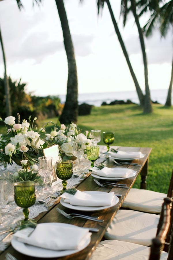 Stylish-Hawaiian-Wedding-White-Orchid-Beach-House-16-600x900