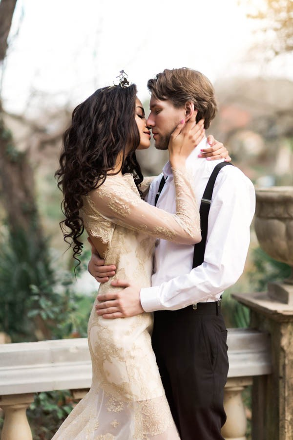 Texas-Bohemian-Wedding-Style-Laguna-Gloria-Holly-Kringer-Photography (2 of 30)