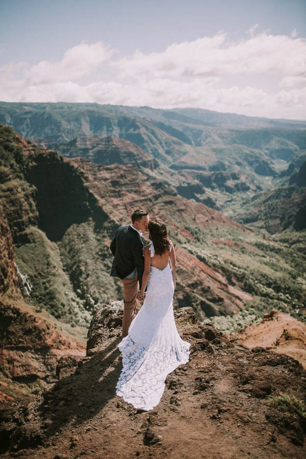 This-Jaw-Dropping-Waimea-Canyon-Wedding-Hawaii-Like-You've-Never-Seen-Before-14
