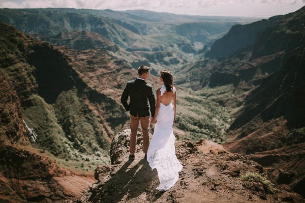 This-Jaw-Dropping-Waimea-Canyon-Wedding-Hawaii-Like-You've-Never-Seen-Before-15