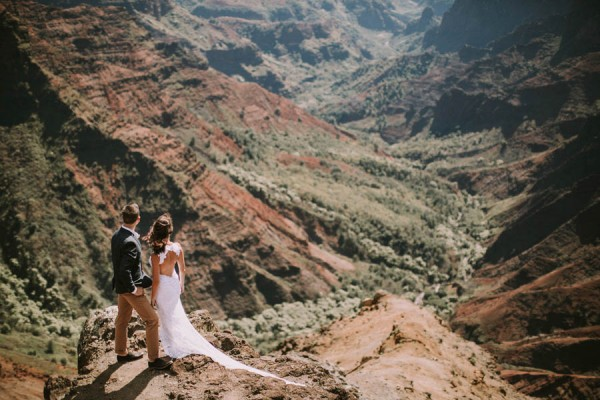 This-Jaw-Dropping-Waimea-Canyon-Wedding-Hawaii-Like-You've-Never-Seen-Before-17