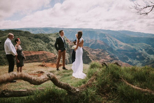 This-Jaw-Dropping-Waimea-Canyon-Wedding-Hawaii-Like-You've-Never-Seen-Before-3