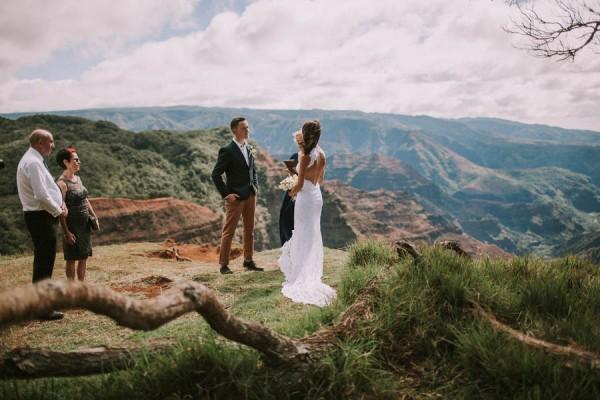 Three Jaw Dropping Indoor Banff Wedding Ceremonies: This Jaw-Dropping Waimea Canyon Wedding Is Hawaii Like You