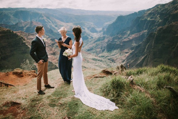 This-Jaw-Dropping-Waimea-Canyon-Wedding-Hawaii-Like-You've-Never-Seen-Before-4