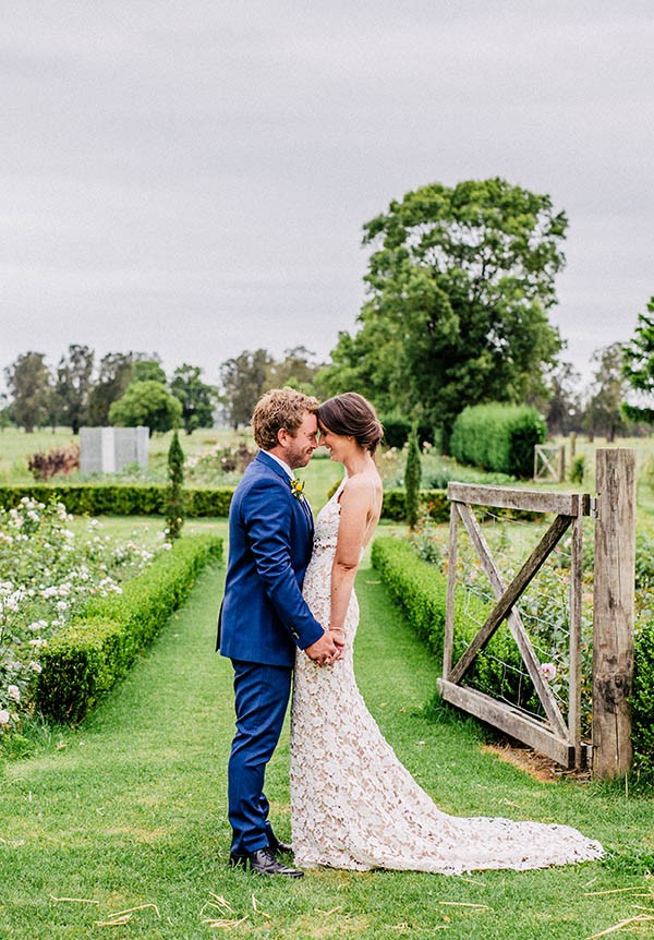 australian-garden-party-wedding-at-merribee-house-1