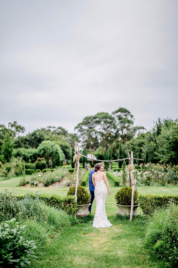 australian-garden-party-wedding-at-merribee-house-9