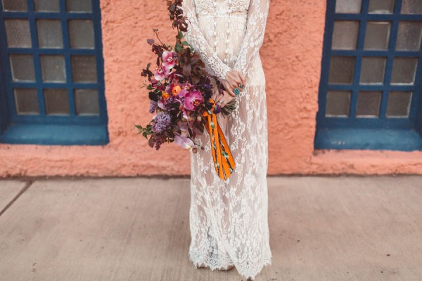 edgy-romantic-santa-fe-bridal-inspiration-14