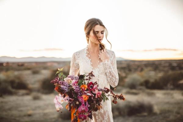 edgy-romantic-santa-fe-bridal-inspiration-18