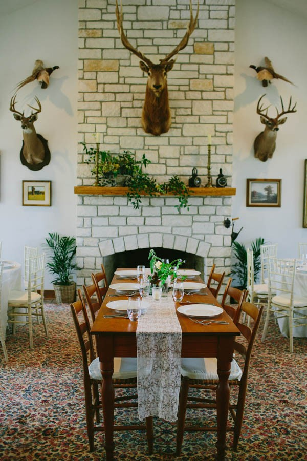 french-meets-texan-wedding-at-justines-secret-house-31