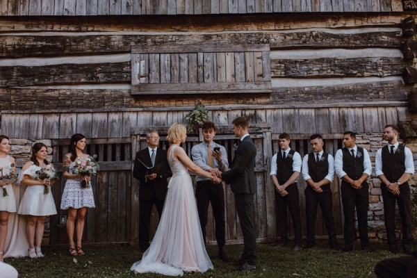 gorgeous-diy-tennessee-wedding-at-the-cool-springs-house-26