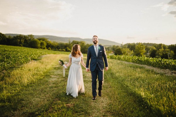 naturally-beautiful-pioneer-farms-wedding-in-warwick-new-york-28