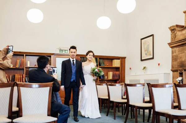 stunning-london-couple-portraits-and-engagement-ceremony-29