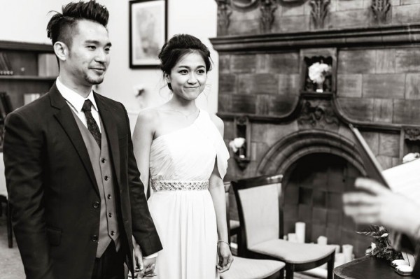 stunning-london-couple-portraits-and-engagement-ceremony-31