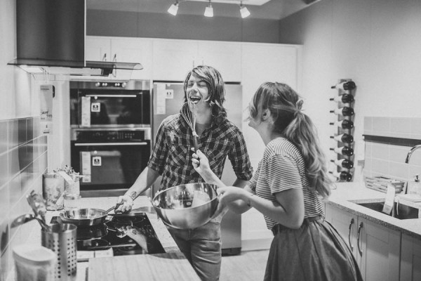 these-ikea-engagement-photos-are-as-sweet-as-they-are-unique-18