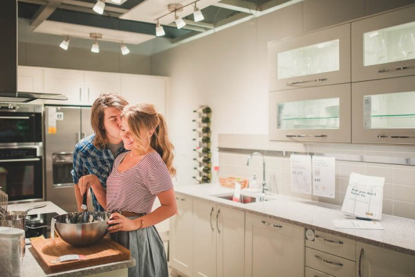 these-ikea-engagement-photos-are-as-sweet-as-they-are-unique-19