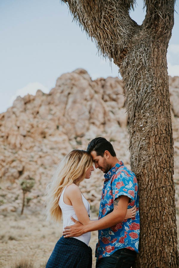 this-cali-cool-joshua-tree-engagement-is-full-of-1970s-vibes-11