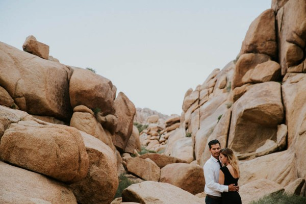 this-cali-cool-joshua-tree-engagement-is-full-of-1970s-vibes-15