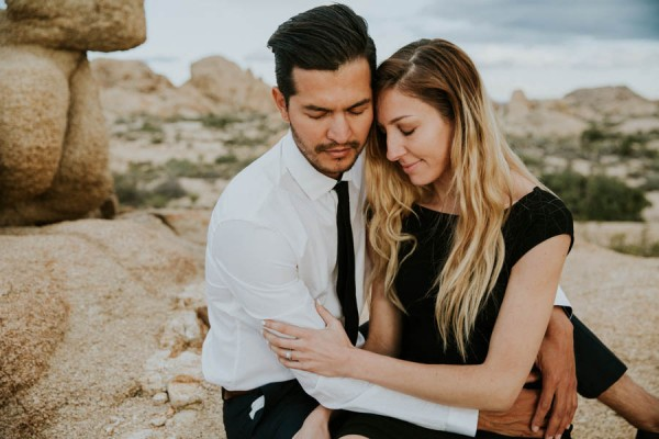 this-cali-cool-joshua-tree-engagement-is-full-of-1970s-vibes-24