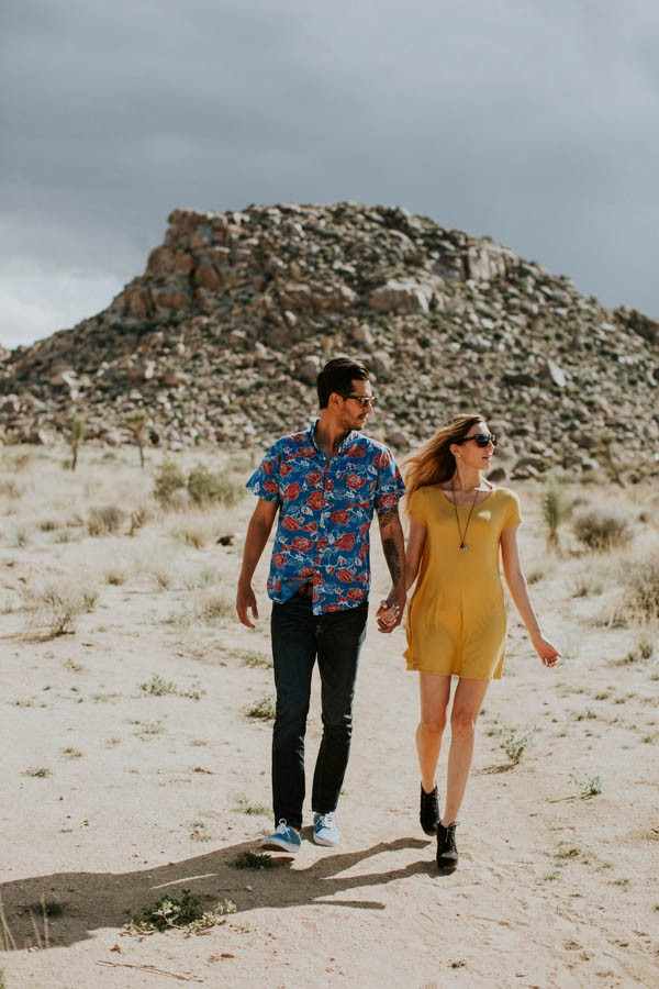 this-cali-cool-joshua-tree-engagement-is-full-of-1970s-vibes-4