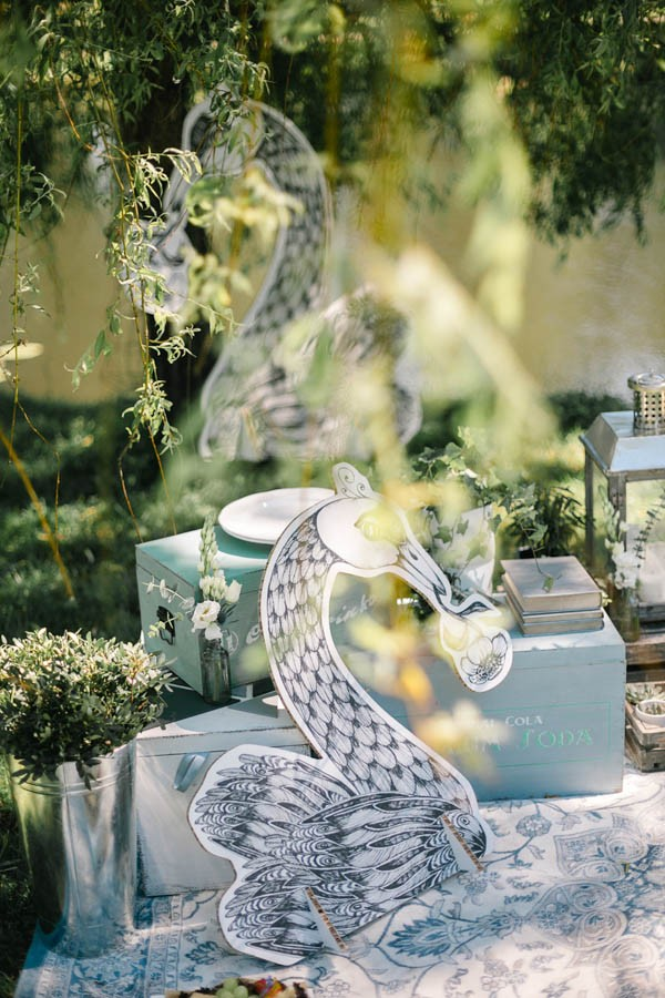 this-insanely-chic-diy-wedding-will-have-you-running-to-the-craft-store-10