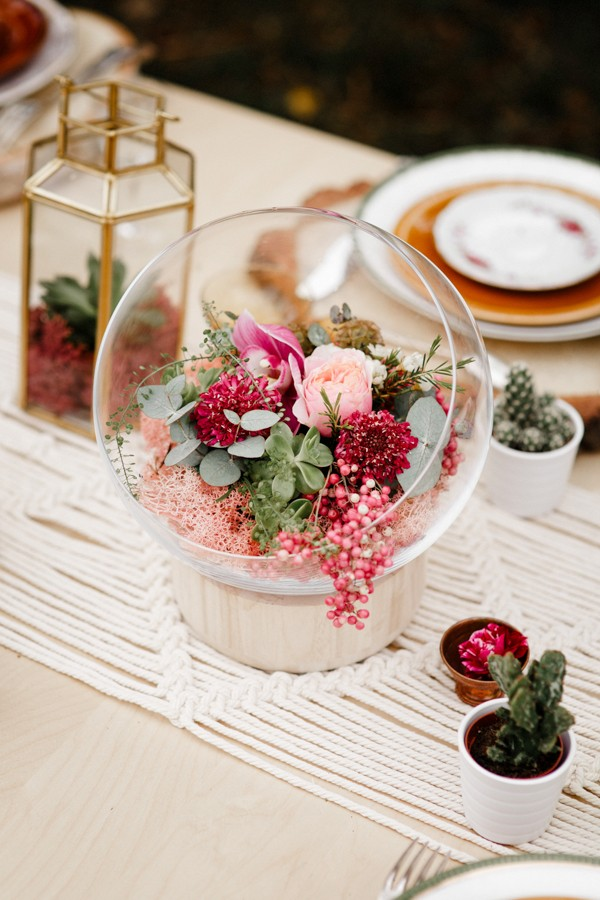 a-romantic-french-elopement-with-roses-cacti-and-macrame-at-souston-lake-1