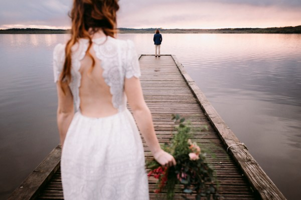 a-romantic-french-elopement-with-roses-cacti-and-macrame-at-souston-lake-10
