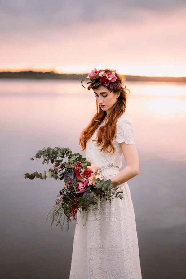 a-romantic-french-elopement-with-roses-cacti-and-macrame-at-souston-lake-11