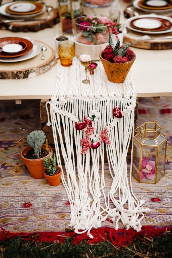 a-romantic-french-elopement-with-roses-cacti-and-macrame-at-souston-lake-14