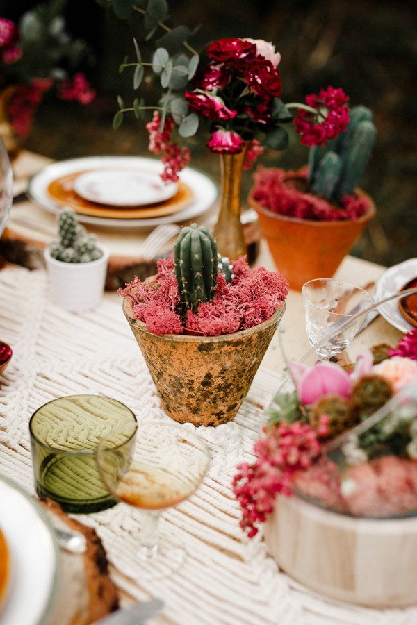 a-romantic-french-elopement-with-roses-cacti-and-macrame-at-souston-lake-9