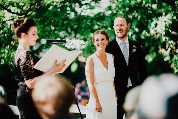 authentic-dumbo-wedding-with-natural-vibes-at-the-river-cafe-31