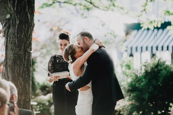 authentic-dumbo-wedding-with-natural-vibes-at-the-river-cafe-34