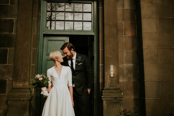 black-and-white-civil-ceremony-at-this-glasgow-registrars-office-11