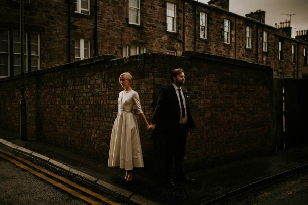 black-and-white-civil-ceremony-at-this-glasgow-registrars-office-22