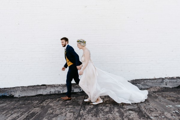 casual-glam-edmonton-wedding-at-red-strap-market-10